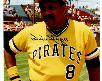 Pittsburgh Pirates Hall of Famer Willie Stargell Autographed Picture W/ Coa See Scan Makes a Great Gift