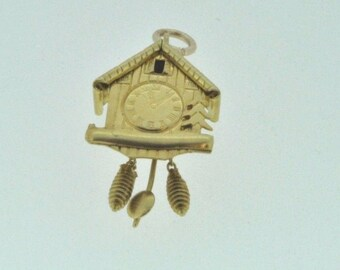 18ct yellow gold cuckoo clock charm