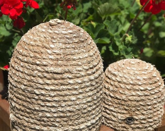 Early colonial Primitive Garden Bee Skep !