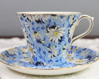 Vintage Shelley Blue Daisy Chintz Floral English Bone China Teacup and Saucer - Daisies - Perth Shape, Wedding Tea Party Favor