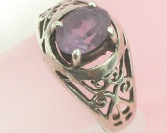 Vintage Sterling Silver Stamped 925 Natural Amethyst Ring, 2.6 Grams Size 6 1/2