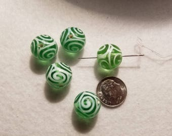 1 15mm Green Clear with White Swirls Lampwork Round Glass Bead A3