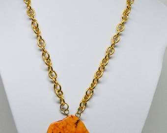 Vintage Gold Tone Chain And Stone Pendant