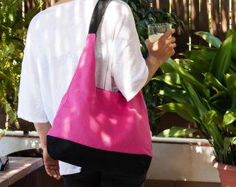 Bolso de verano. Bolso de loneta en color rosa y negro. Bolso hobo. Bolso rosa. Bolso de mano. Bolso mujer.