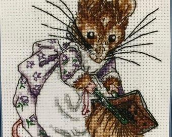 Beatrix Potter Cross Stitch KIT~HUNCA MUNCA~Anchor~JC163~Mouse Sweeping