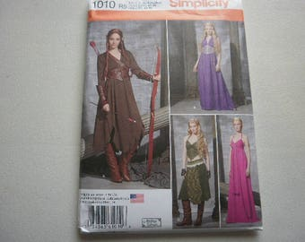 Pattern Costume Women Historical Dresses 4 Styles Sizes 14 to 22 Simplicity 1010 A