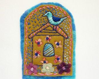 Felt Pin - Bird Brooch - Embroidered Pin - Floral Broach
