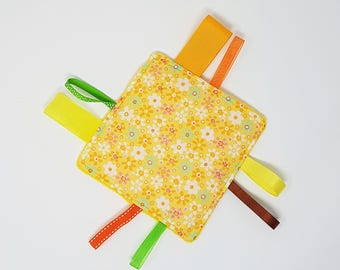Yellow tag blanket,  Montessori toy, baby comforter with tags,  crinkle blanket, sensory toy, learning toy for babies, ribbon blanket