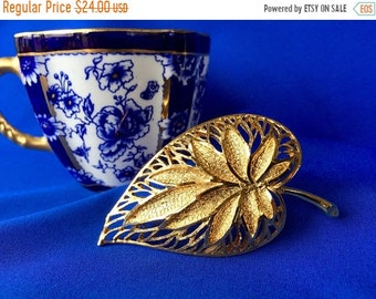 Mothers Day Sale Coro Vintage Signed Pierced Gold Tone Leaf Brooch, Signed Coro Leaf Brooch, Vintage Coro Pierced Leaf Brooch