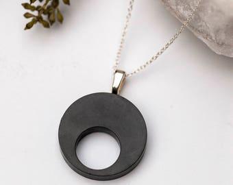 Concrete Circle Necklace (dark)