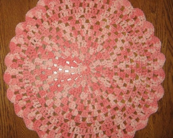 Crochet Placemats set of 2 in Coral Swirl