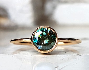 gold ring - handmade jewelry - gold jewelry - moissanite ring - blue gemstone - natural mineral - natural moissanite - art jewelry - simple