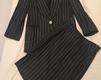 Lillie Rubin Black Silver Pinstripe 2 Piece Suite Size 8 1990's