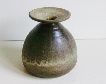 Dutch studio art pottery vase by Gubbels - Helden