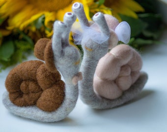 Snails family Needle Felted Animal, toy snails,stuffed animal,Snails family,wool snails, Birthday gift, wedding gifts, wedding,lovers