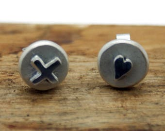 Sterling Silver Hearts and Kisses Stud Earrings (YE003)