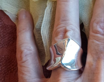 Sterling silver Forgive Dove ring