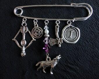 Kilt Pin with Charms, Swarovski Crystals, Glass Pearls Scotland Inspired, Ian Themed