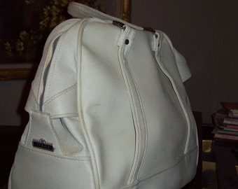 Vintage American Tourister white carry-on. 20 x 14 x8 Great condition '60's