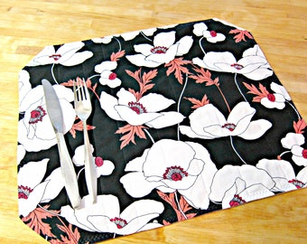Quilted Placemats, Floral Placemats, Black and White Placemats, Poppy Placemats, Modern Placemats, Poppies, Fabric Placemats, Retro Placemat