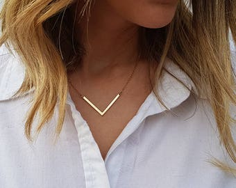 Gold necklace, Dainty chevron necklace, Gold V necklace, Geometric necklace, Chevron bar necklace, Chevron pendant, Minimalist necklace