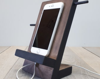 Small accessories and cell phone docking station