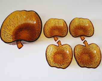 5 piece vintage apple-shaped bowl set in amber glass