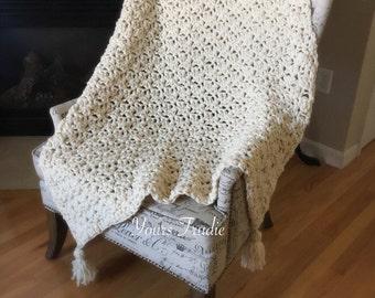 Lambswool Crochet Blanket, Knit Blanket Throw with Tassels, Chunky Crochet Afghan, Ivory Cream Blanket, Gift for Her