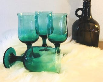 Green Wine Glasses, Green Goblets, Vintage Green Wine Glasses, Wine Glasses, Retro Wine Glasses, Emerald Jewel Tone Barware, Emerald Glasses