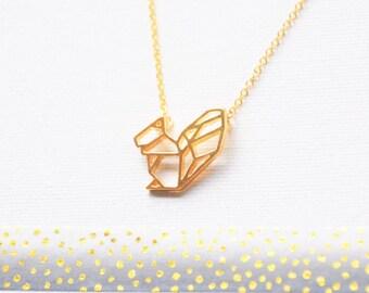 Collier écureuil, collier géométrique, collier Origami, Pendentif géométrique, Squarrel cadeau, bijoux bois, animal de la faune, animal or