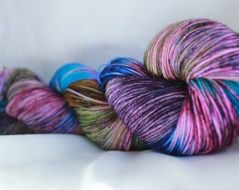 New Color way (AURORA) Speckled super wash merino nylon sock 100 grams 463 yds 75, 25
