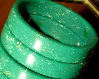Lucite Bracelets Vintage 2 Green Granite Marbled Bakelite Era Bold Mod Bangles Couture Italy Sanded X-Large Plus Hand Size Granulated Estate