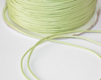 5 m cord 0.5 mm waxed light green polyester thread