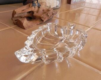 GLASS LEAF DISH