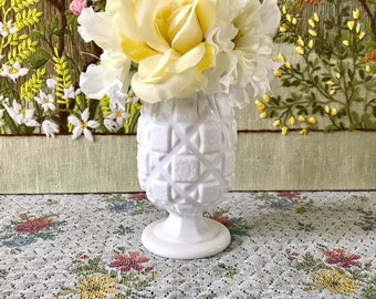 Milk Glass Vase Vintage Vase Vintage Wedding White Vase Vintage Milk Glass Flower Vase Milk Glass Wedding Centerpiece Vase for Wedding Vase