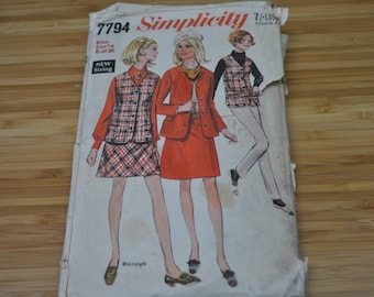Vintage Jacket and Skirt Pattern. 1960s Dress and Pant Suit. Uncut Original. Simplicity 7794. Size 14 EU 36.