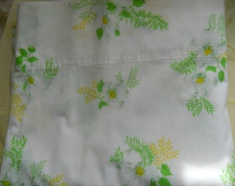 Vintage Twin Flat Sheet Dogwood Spring Flowers Yellow Green