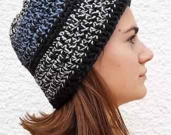 Black crochet beanie / blue and black / white