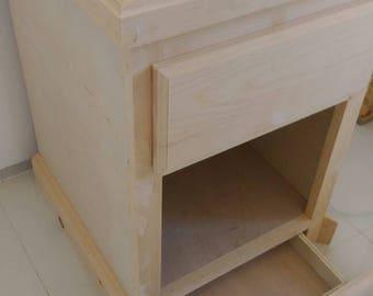 Bureau of wood with 2 drawers