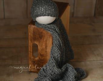 Newborn baby beanie hat and blanket set photo prop