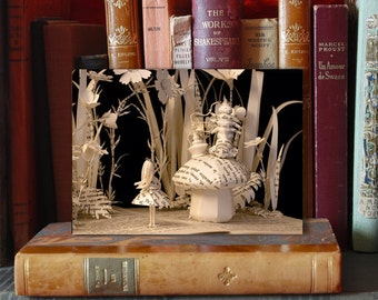Paper Sculpture Fineart Postcard - Alice in wonderland n-6