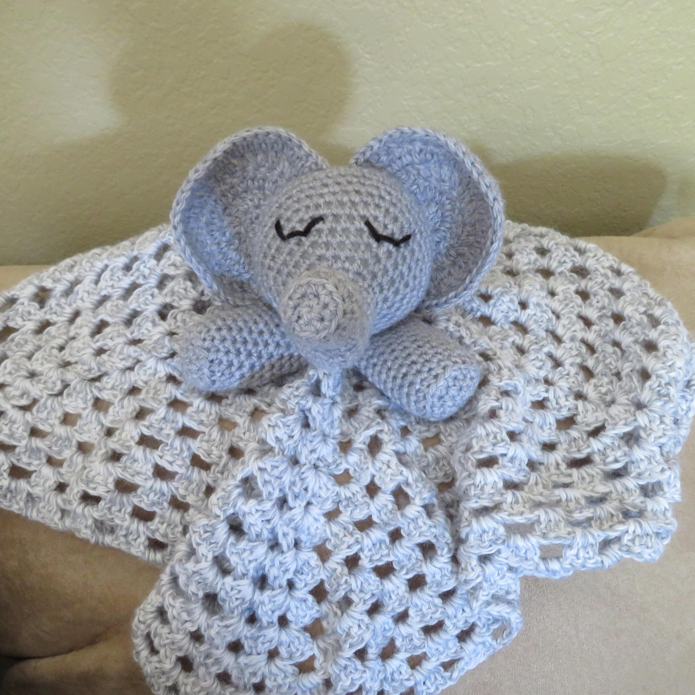 Elephant blanket crochet pattern, lovey, elephant amigurumi, small ...