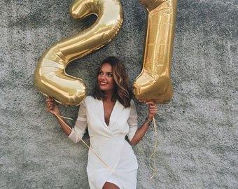 """GIANT 21 Gold Balloon - 40"""" Gold Number 21 Balloons"""