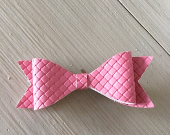 Faux leather hair bow, hair clip, little girls' hair clip, pink quilted texture hair bow