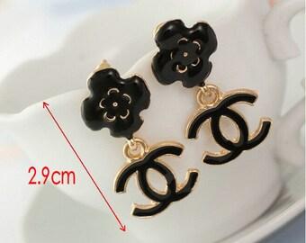 Chic Black flower Dangle Earrings   Black Or White   U PiCk