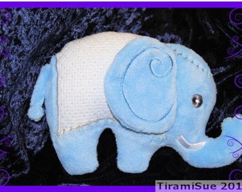 Elephant Toy/Cushion for the 6x10in or 160x260 Embroidery Hoop