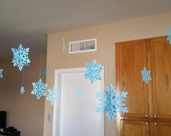 Hanging Snowflakes (QTY 12)