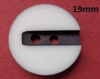 10 Buttons White 19 mm (3764) button