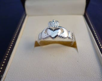 Sterling silver Claddagh ring - 925 - sterling silver - UK S - US 9.25 - g
