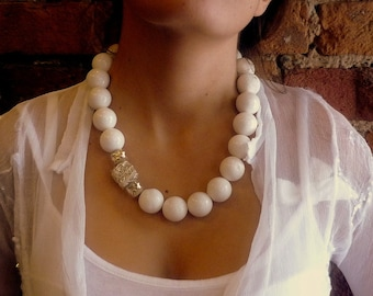 White Necklace, White Coral Necklace, Coral Gemstone, Statement Necklace, Statement White Necklace, Big Round Beads, Coral Stones and Silver